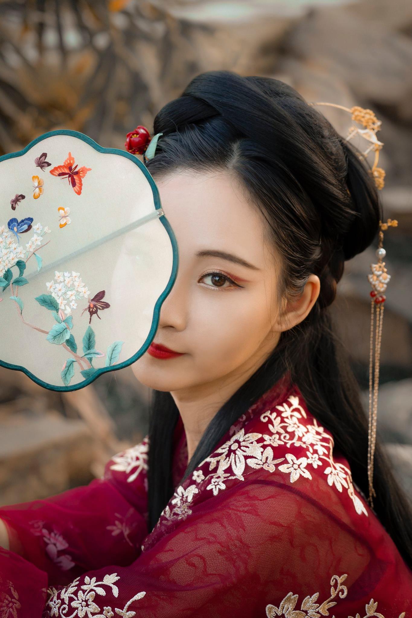 chụp ảnh cổ trang ngoại cảnh - Ngọc Thanh Ngọc Châu