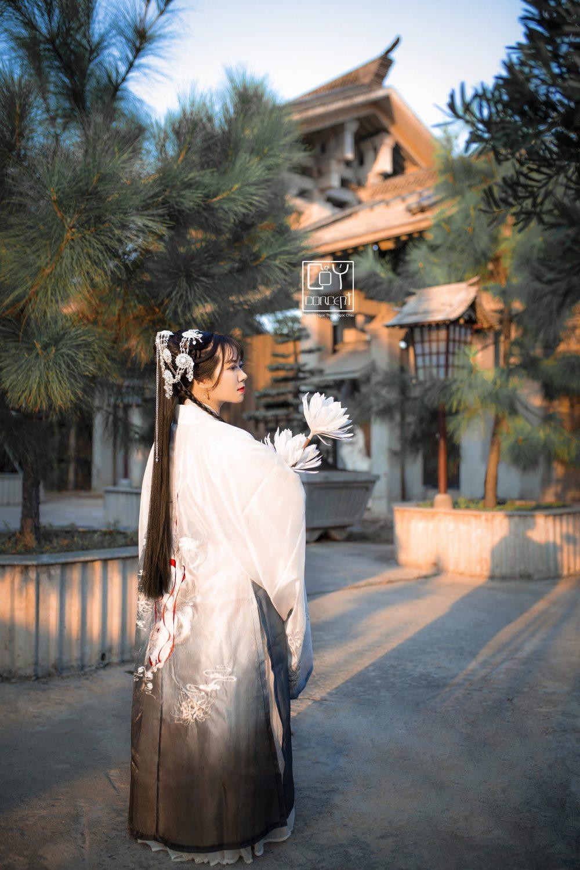 Chụp Ảnh Cổ Trang - Tịch Dương - áo khoác Cửu Vĩ Hồ - Hình 1