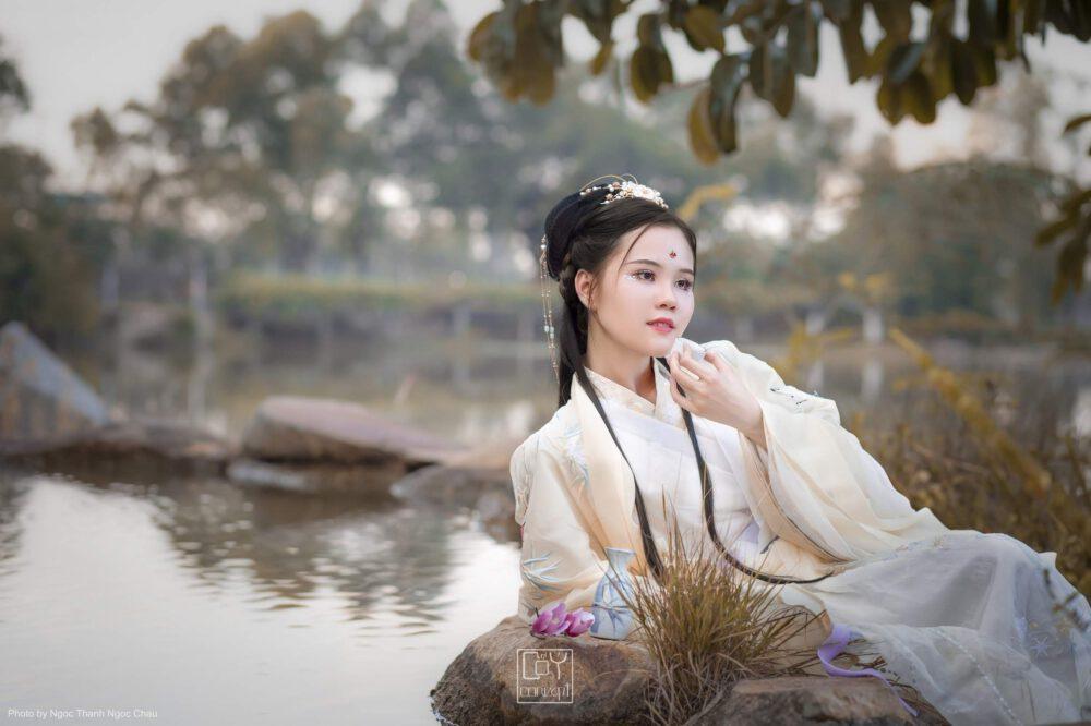 Nhật Quang - Hoa Tư Nghi Thưởng - Chụp Ảnh Cổ Trang - Tạo dáng nằm uống trà - Hình 1
